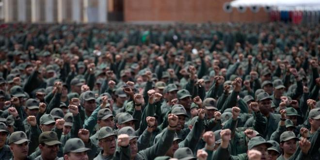 فنزويلا.. مفتاح الأزمة بيد الجيش