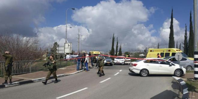 اخبار عاجلة .. مقتل إسرائيلييْن بطعن وإطلاق نار بالضفة