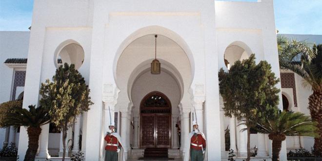 اخبار محلية .. الرئيس بوتفليقة يعود إلى أرض الوطن والفريق قايد صالح يشيد بالشعب الجزائري