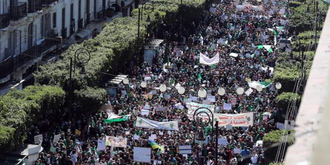 اخبار محلية .. أوسع مظاهرات تعم الجزائر في الجمعة الرابعة للاحتجاجات