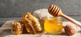 الطب البديل .. العسل يقي من الأمراض ويصون الجمال