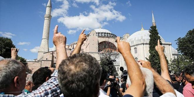 أردوغان يوقع مرسوما يحوّل آيا صوفيا إلى مسجد  بعد قرار المحكمة