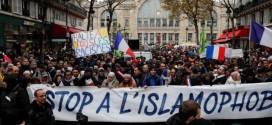 """فرنسا تعتزم مراقبة أكثر من 70 مسجداً وتغلق """"التجمع ضد الإسلاموفوبيا"""""""