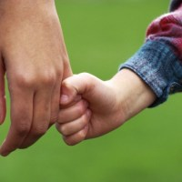 كيف تكسب ودَّ طفلك في خطوات عملية..