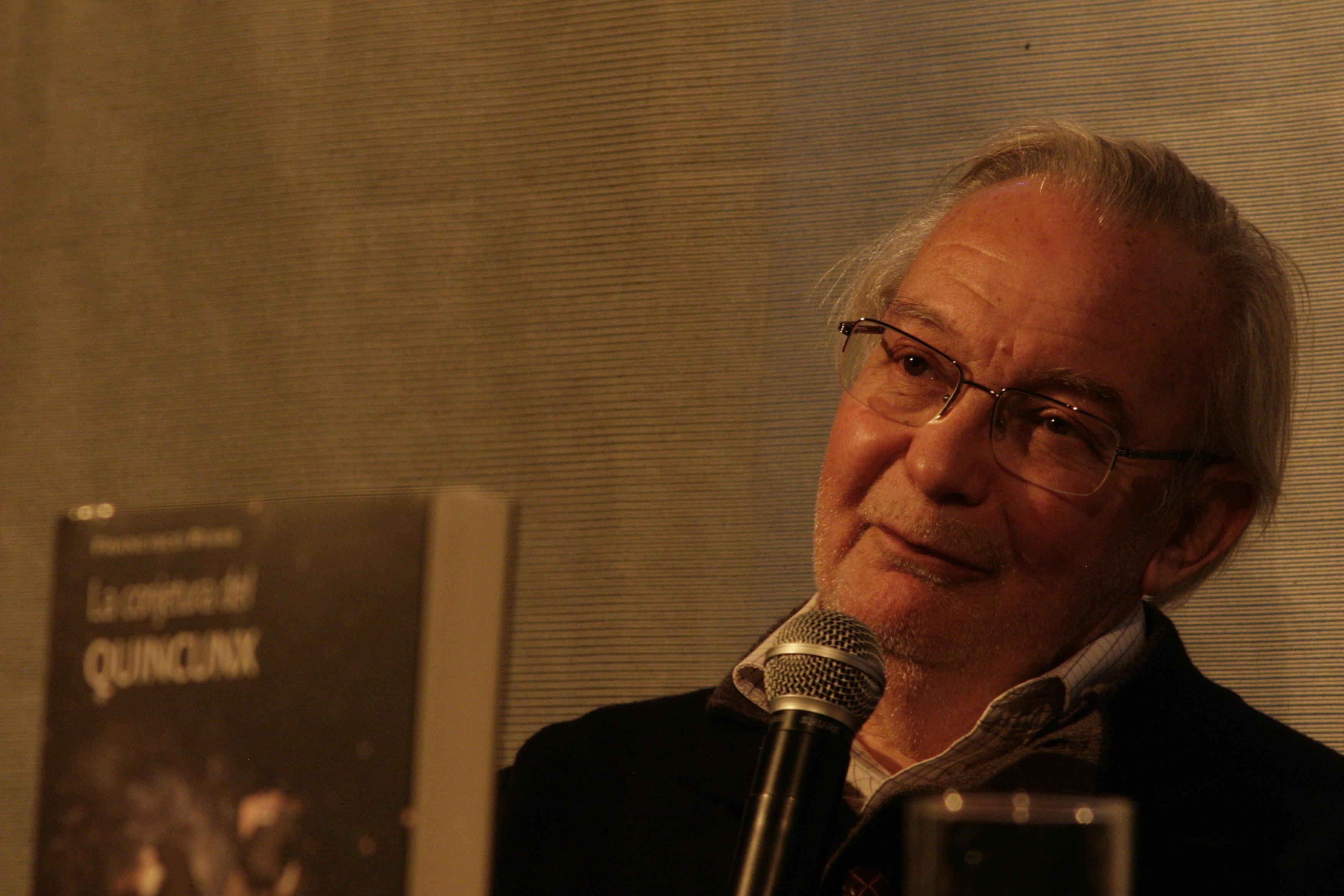 Francisco Rivas vuelve a la escena literaria en la FILSA 2014  con una novela fantástica sobre el universo
