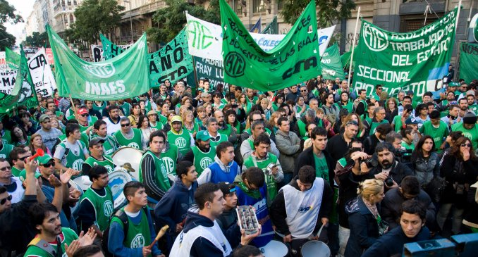 Se realiza en Argentina un nuevo paro nacional contra las políticas del gobierno de Macri