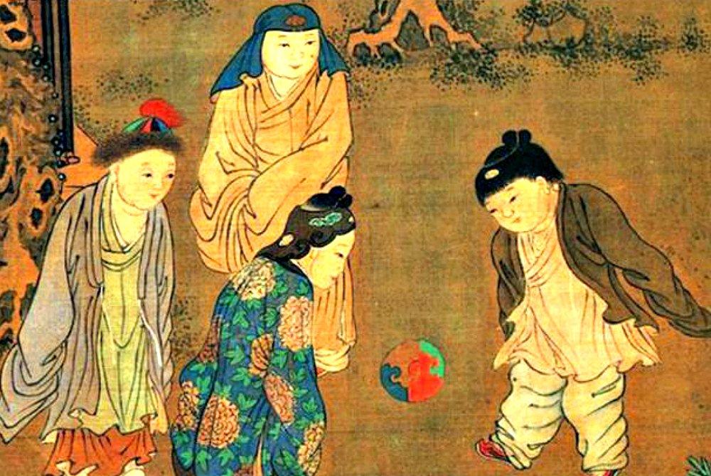 Pinturas del siglo XII revelan que las mujeres jugaban fútbol hace más de mil años