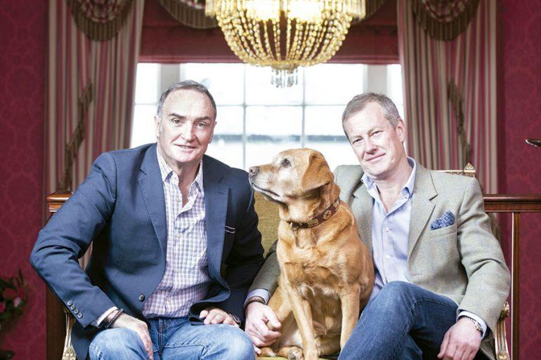 Familia real británica celebra su primera boda gay