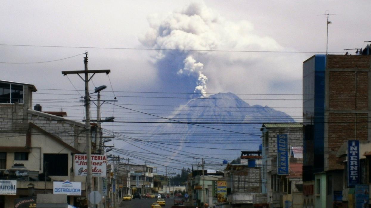 Un volcán a punto de colapsar pone en peligro a Ecuador