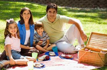 https://i0.wp.com/www.elcivics.com/lifeskills/images/healthy-family-meals.jpg