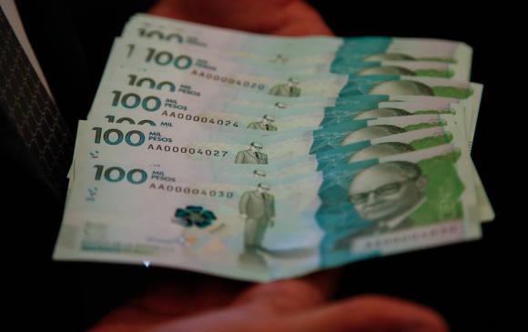 El billete de 100 mil pesos que el Banco de la República puso en circulación a finales de marzo. FOTO Archivo Colprensa
