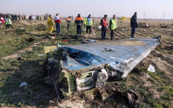 Restos del avión accidentado el pasado miércoles. FOTO: AFP