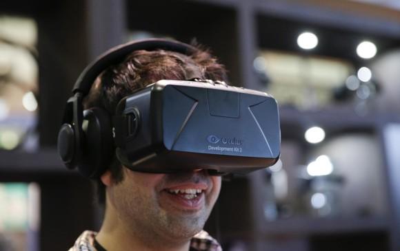 Oculus VR lanzará al mercado sus gafas de realidad virtual Oculus Rift el primer trimestre del año que viene que funcionará inicialmente con un mando de Xbox One y contará con una oferta mínima de ocho juegos. FOTO AP