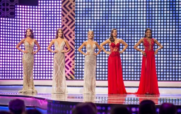 Las cinco finalistas fueron las representantes de Chocó, Antioquia, Quindío, Valle y Cartagena. FOTO: CARLOS VELÁSQUEZ
