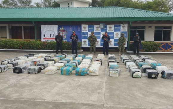 La droga era transportada en una lancha que fue interceptada frente al sitio Punta Caribana, de Necoclí. Hoy el gran Urabá se convierte en otro centro de producción de cocaína. FOTO cortesía