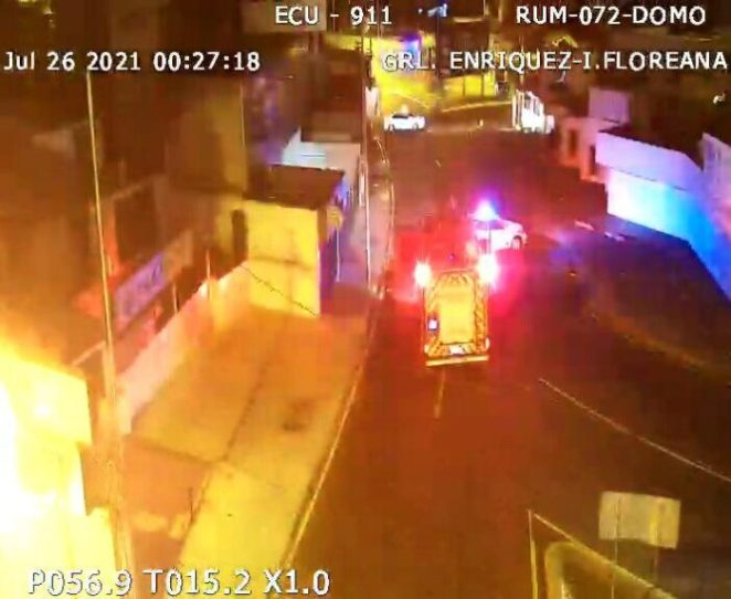 Las personas heridas fueron trasladadas en ambulancias a distintas casas de salud. Foto: ECU 911