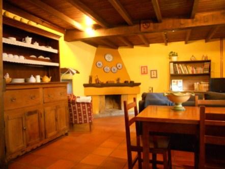 Cotagge-El-Correntiu-sitting-room2
