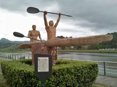 monumento-piraguistas-ribadesella