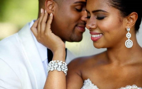 5 SIGNS YOUR MAN ISN'T READY FOR MARRIAGE
