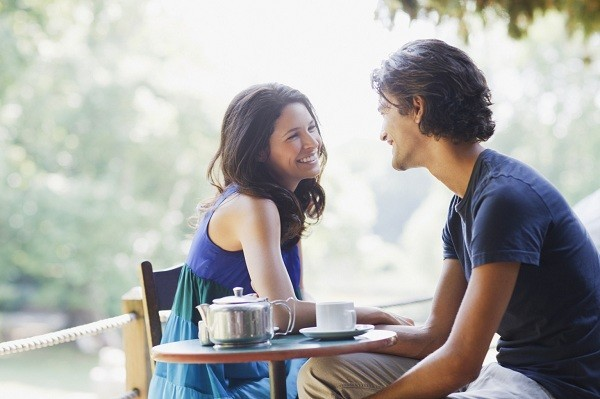 10 THINGS EVERY GUY EXPECTS YOU TO DO ON THE FIRST DATE