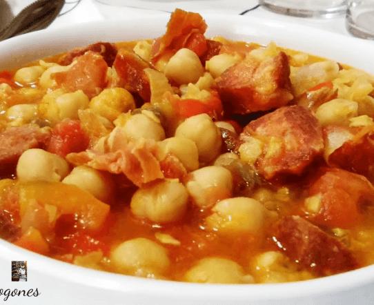 garbanzos en salsa de tomate