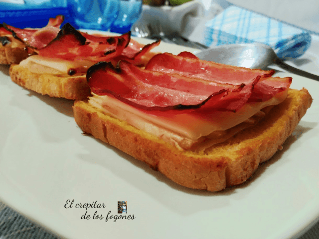 tostas de bacon