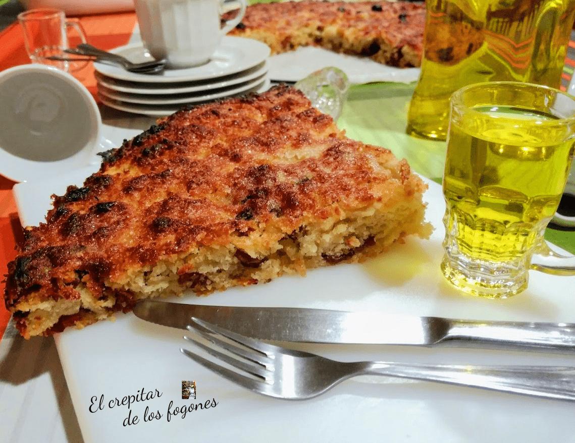 TORTA DE RIXONS CON PASAS (Torta de chicharrones)
