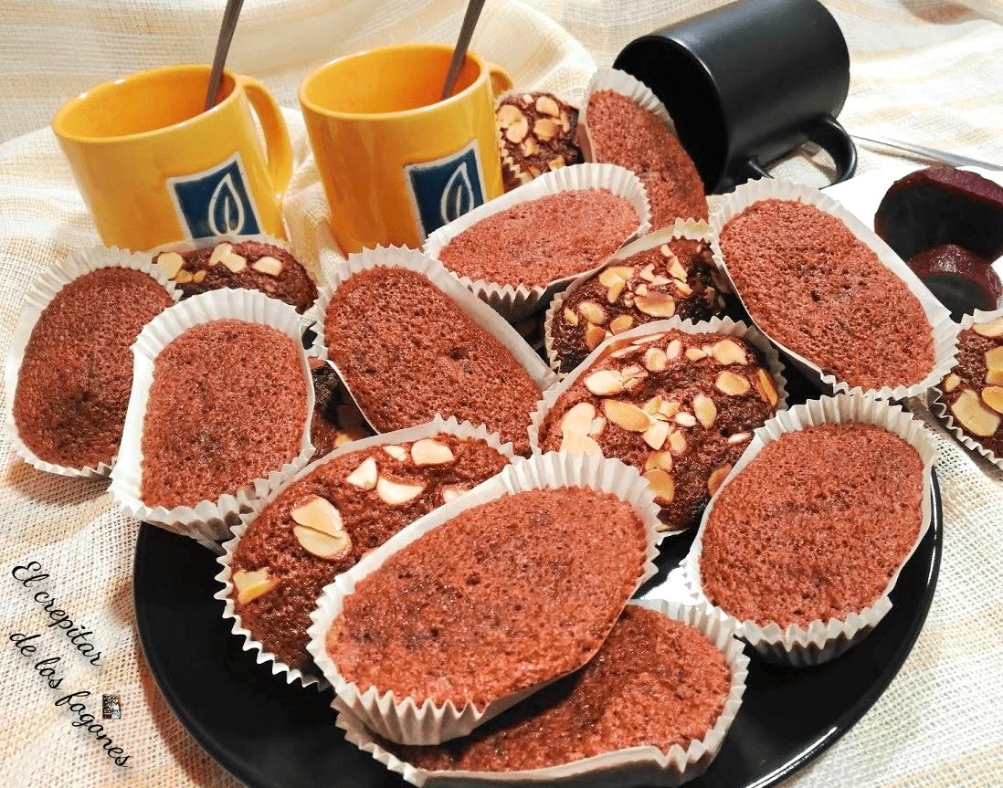 MAGDALENAS DE REMOLACHA, CAFÉ Y CHOCOLATE