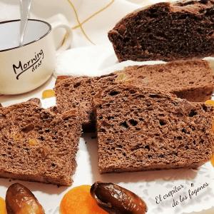 PAN DE CHOCOLATE CON DÁTILES Y OREJONES