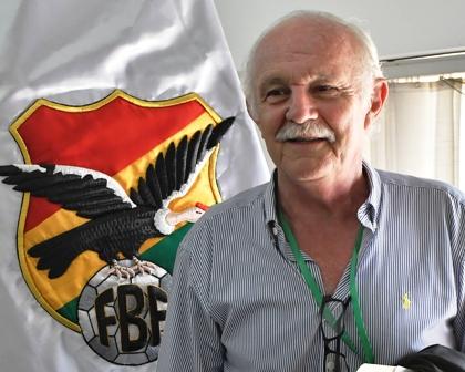 Marco-Peredo-mantiene-su-respaldo-al-DT-Soria