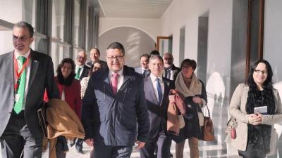 https://i0.wp.com/www.eldiario.es/andalucia/Vox-aceptara-PP-Cs-PSOE-Podemos_EDIIMA20190102_0169_4.jpg?resize=400%2C225&ssl=1