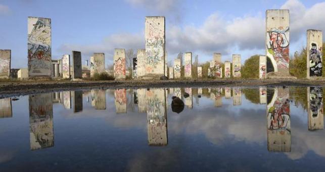 El Muro de Berlín sigue en pie en el cine de verano de Checkpoint Charlie