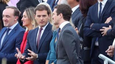 Albert Rivera y Pablo Casado durante el desfile del 12 de Octubre. EFE