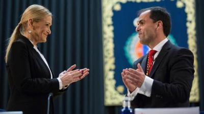 Cristina Cifuentes en la toma de posesión del nuevo rector, Javier Ramos, en la URJC, donde ha obtenido su máster