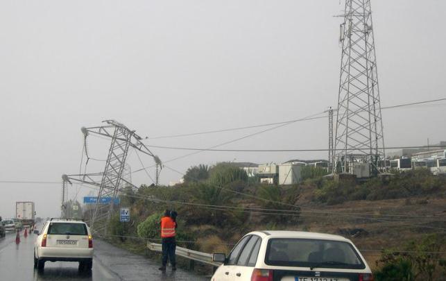 Daños causados por la tormenta tropical Delta en el tendido eléctrico en Canarias