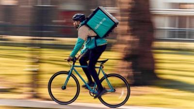 Un 'rider' de Deliveroo