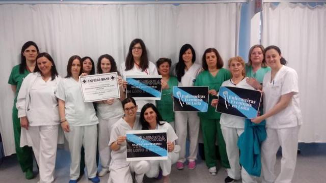 """""""Cuida a quien te cuida"""": las enfermeras eventuales gallegas piden apoyo ciudadano en su lucha contra la precariedad"""