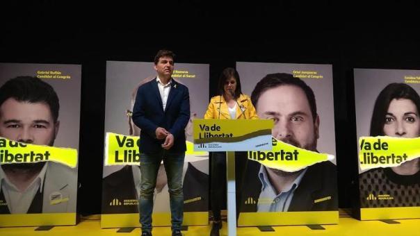 Sergi Sabrià, jefe de campaña de ERC, y Marta Vilalta, portavoz del partido, para valorar el sondeo de TV3