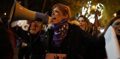 Una mujer manifestándose este 25 de noviembre en Madrid.
