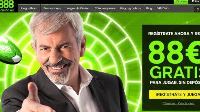 El presentador Carlos Sobera anunciando el casino online 888.es