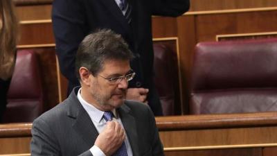 Catalá: usar arte para hablar de delitos políticos en España no es razonable