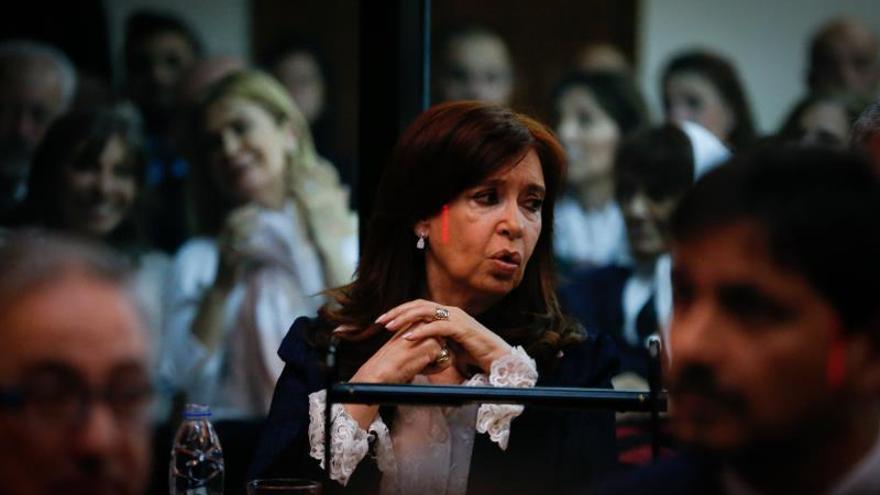 Cristina Fernández, tranquila pero camuflada en su estreno en el banquillo