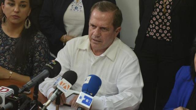 Excanciller de Correa asegura ser víctima de persecución política en Ecuador