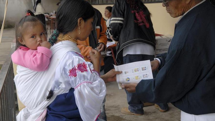 El voto nulo amenaza la legitimidad del principal órgano de control en Ecuador