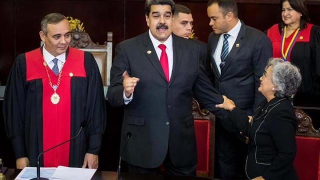 El chavismo ofrece diálogo para argumentar la legitimidad de Maduro