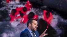 Salvini viaja a Libia mientras 300 inmigrantes esperan hace días un puerto