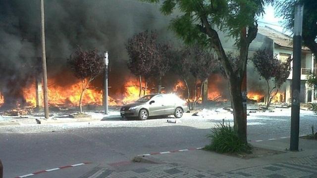 Hay al menos tres muertos en un incendio en Pehuajó