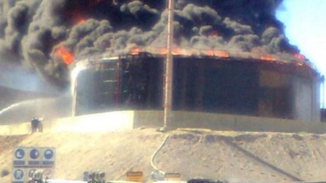 Explotó un tanque de petróleo en una planta de YPF y hay 17 heridos