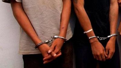Detienen a dos sudamericanos por robo a casa habitación
