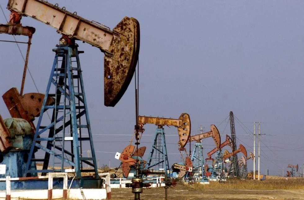 Precio del petróleo de EE.UU cierra con leve pérdidas